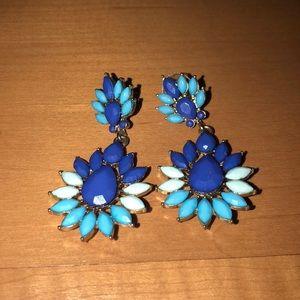 NWOT Francesca's blue long earrings